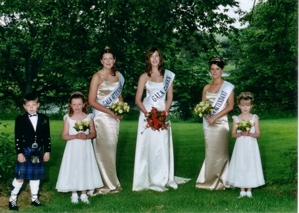 Gala Queen and Court 2005