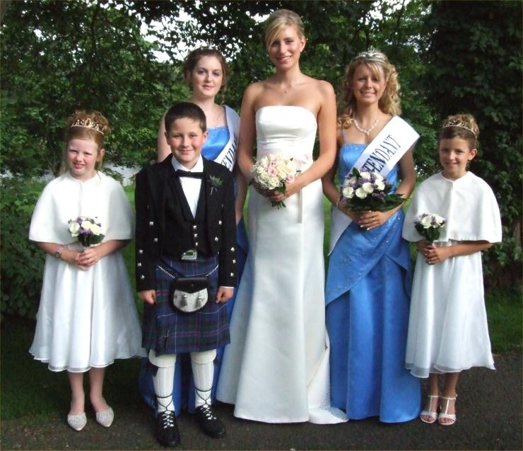 Gala Queen and Court  2006